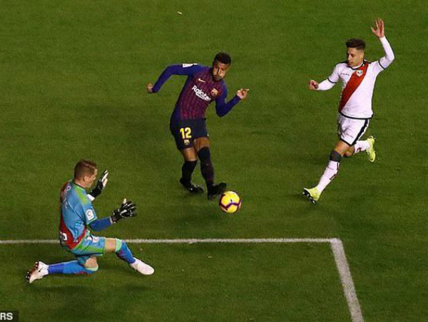 Barcelona băng về đích trong cuộc đua tới ngôi vô địch La Liga?