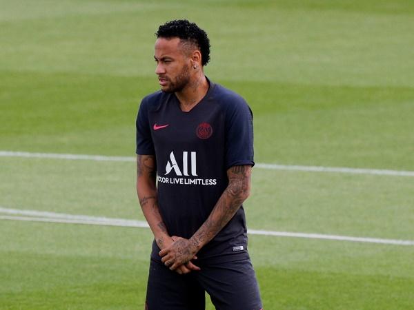 Dani Alves lên tiếng dạy dỗ Neymar