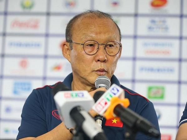 Báo Hàn Quốc ưu ái gọi thầy Park là huyền thoại