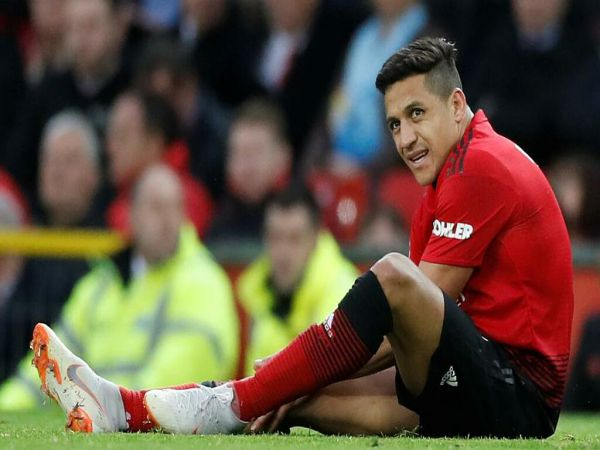 Tin bóng đá chiều 4/9: Sanchez từng muốn rời MU sau buổi tập đầu tiên