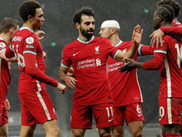 Tin thể thao 29/1: Đánh bại Tottenham, Liverpool trở lại top 4