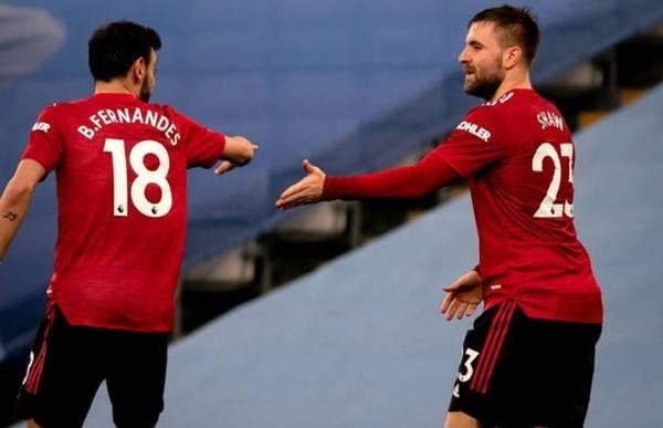 Hai cầu thủ MU công khai phản đối Super League