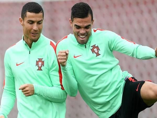 Tin bóng đá thế giới 25/6: Patricio 'chống lệnh' Ronaldo & Pepe