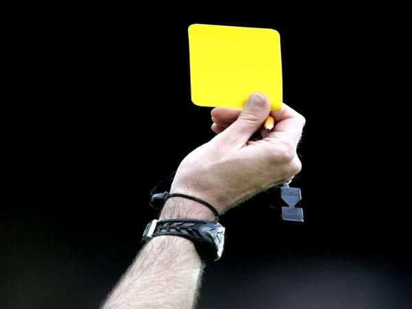 Thẻ vàng là gì? Nguồn gốc xuất xứ của chiếc thẻ phạt này